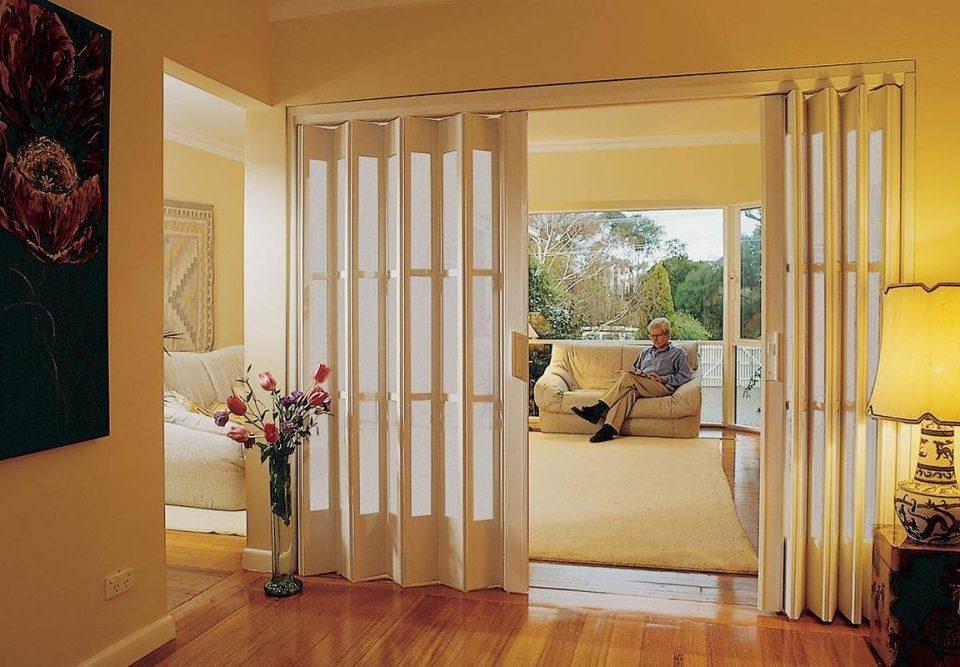 harmonika ajtó, műanyag nyílászáró, műanyag ajtó, műanyag ablak